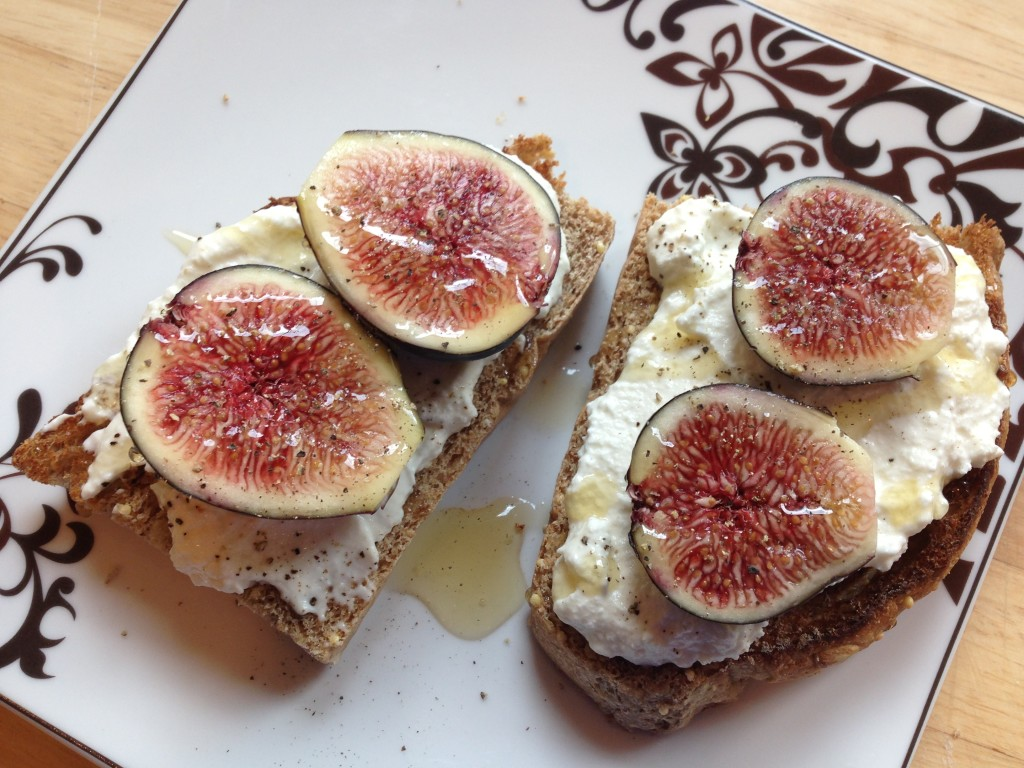 Well Dined | Fig, Ricotta, and Honey Tartine