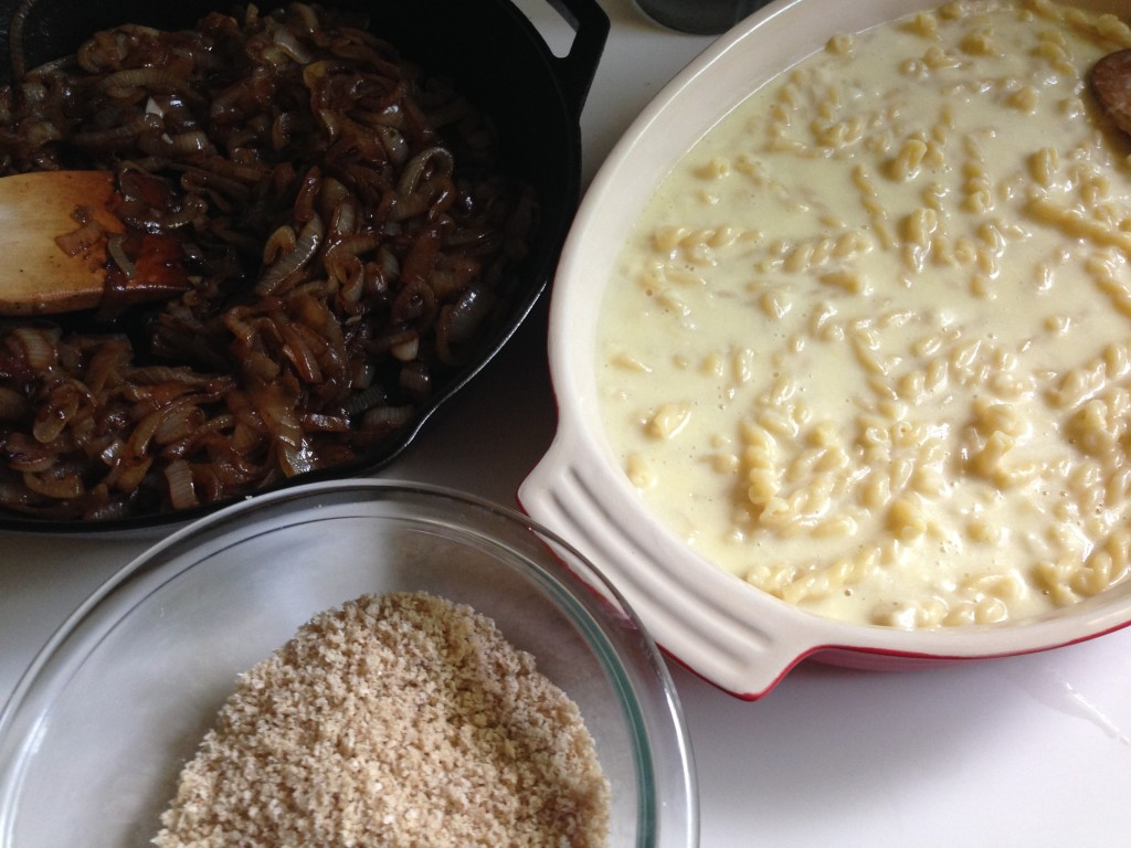 Well Dined | French Onion Mac and Cheese
