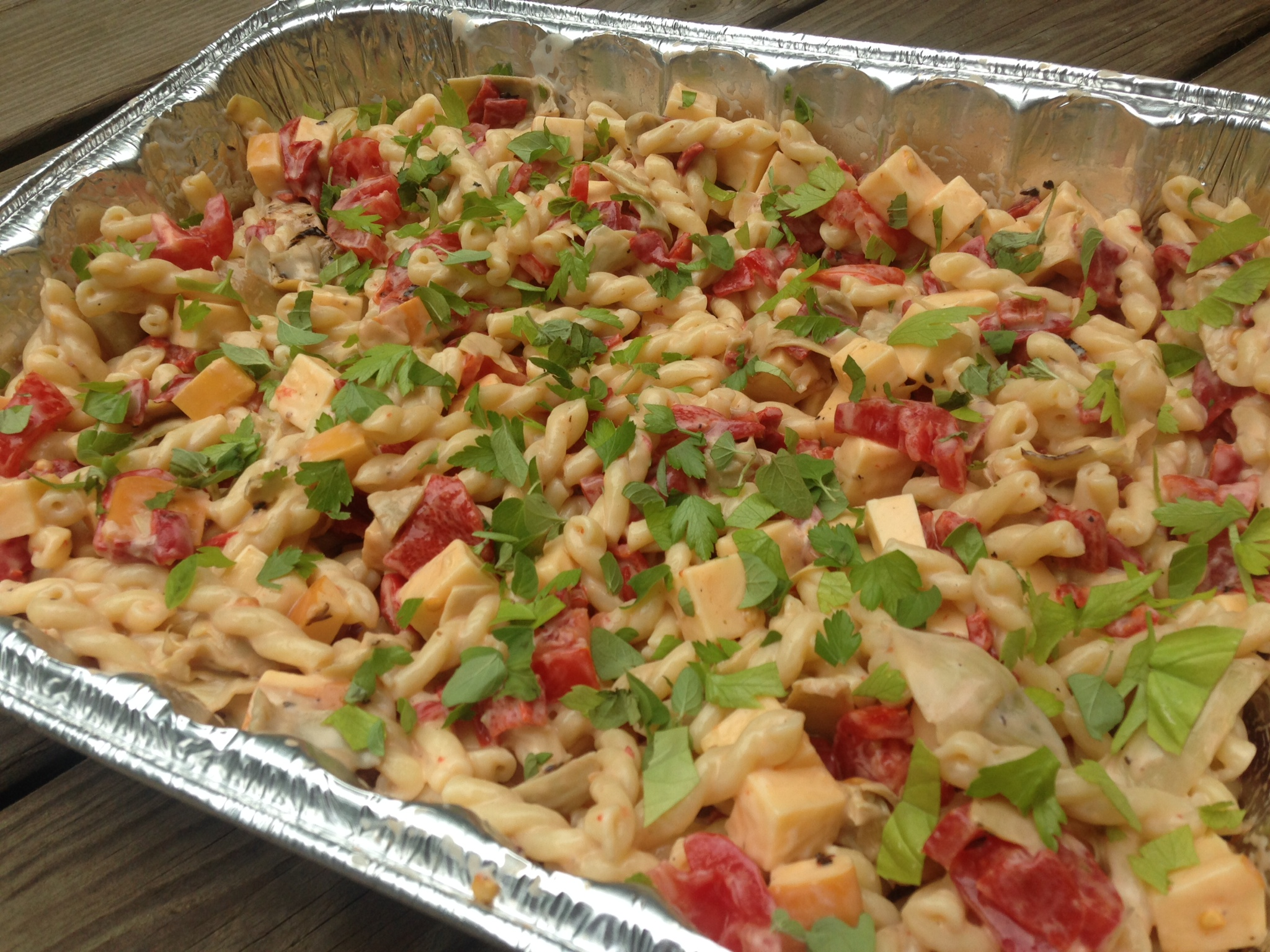 cold pasta salad with roasted red peppers