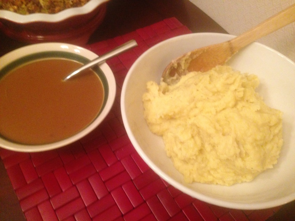 Well Dined | Thanksgiving Dinner 2014 Mashed Potatoes and Gravy